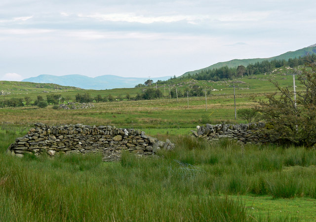 Dry stone wall near Rhyd Ddu Station