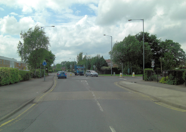 Dedworth Road junction with Ruddlesway