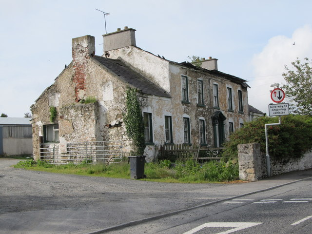 Dilapidated farm house at the top of Church Hill