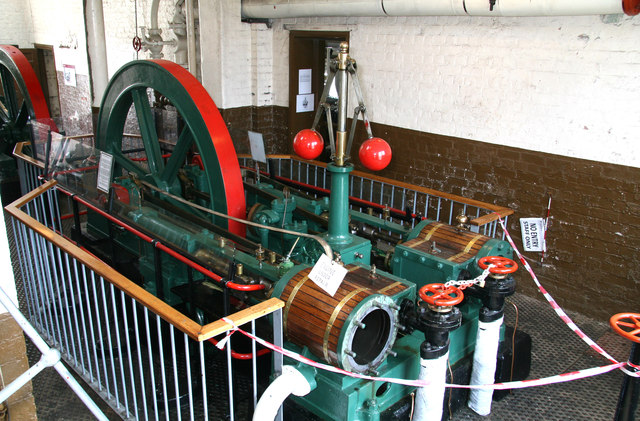 National Waterways Museum, Ellesmere Port - hydraulic pumping engine