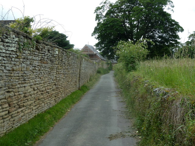 Walled lane, Ogston