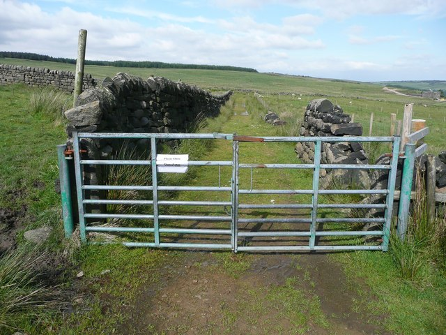 Gate on Hebden Royd FP81