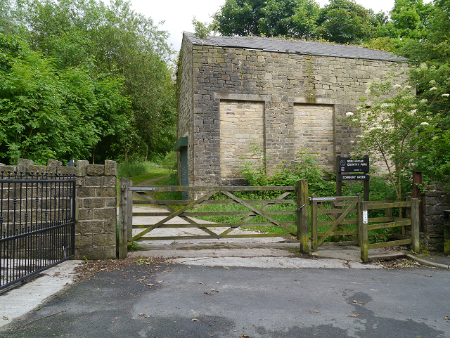 Entrance to Cowbury Green