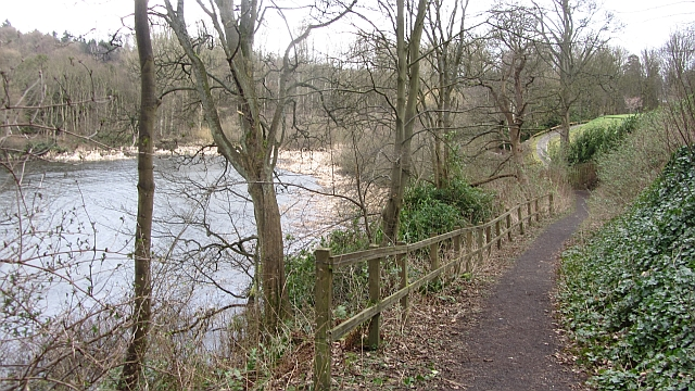 Path beside Raith Lake
