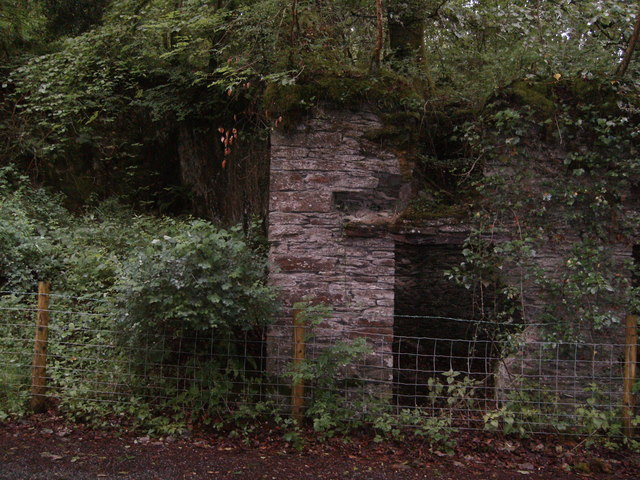 Ruin on road side