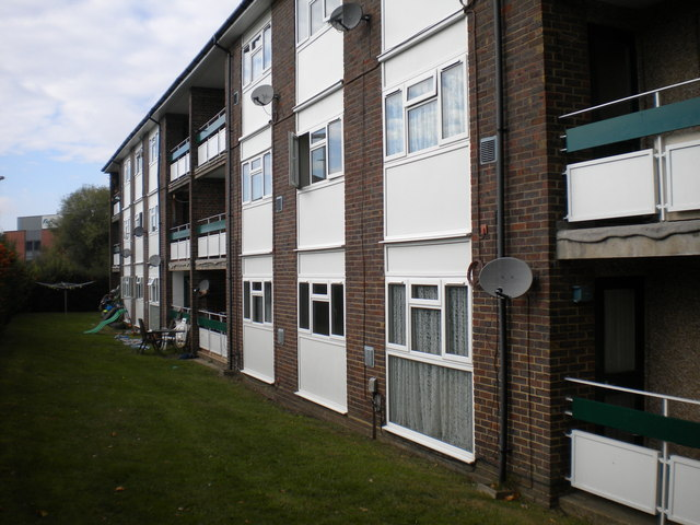 Low rise flats, Perry Oaks