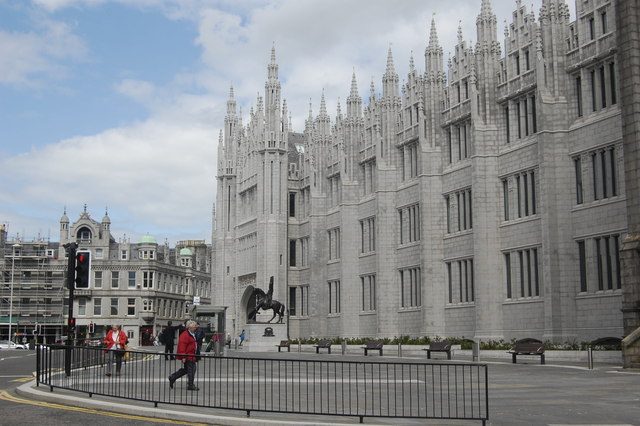 Yet another Marischal College picture