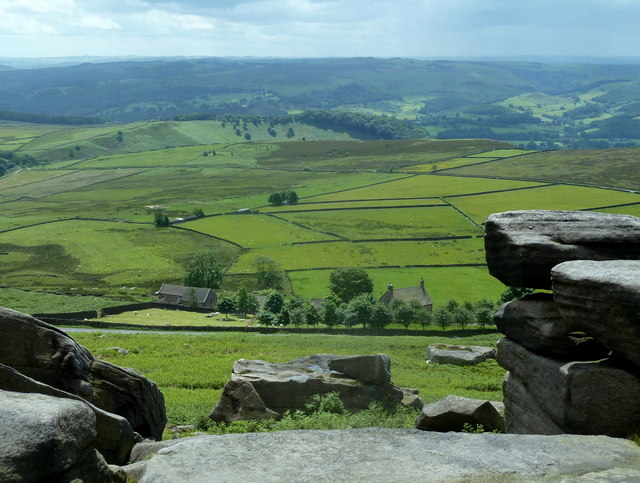 Stanage Edge rocks with views