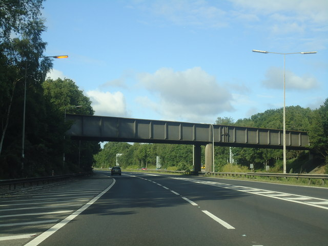 Railway bridge over the M3