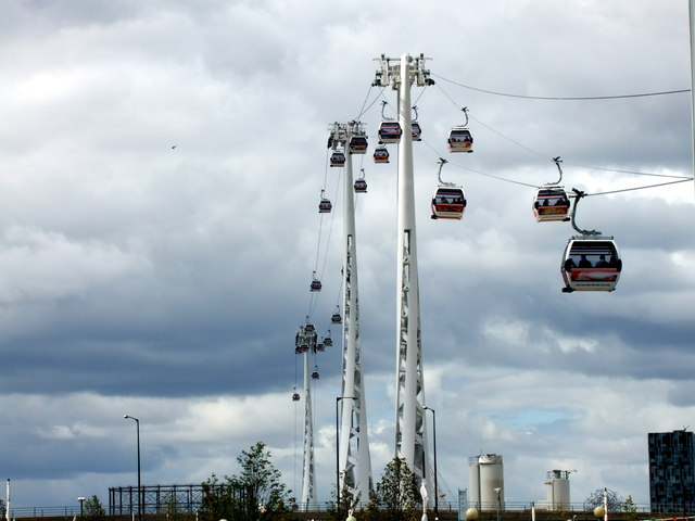 Car Transport Cost >> Emirates Air Line cable cars © PAUL FARMER cc-by-sa/2.0 ...
