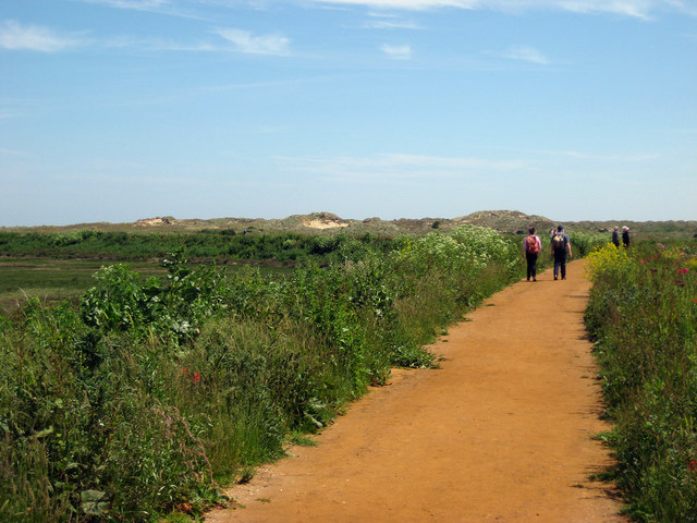 Smooth path to the beach