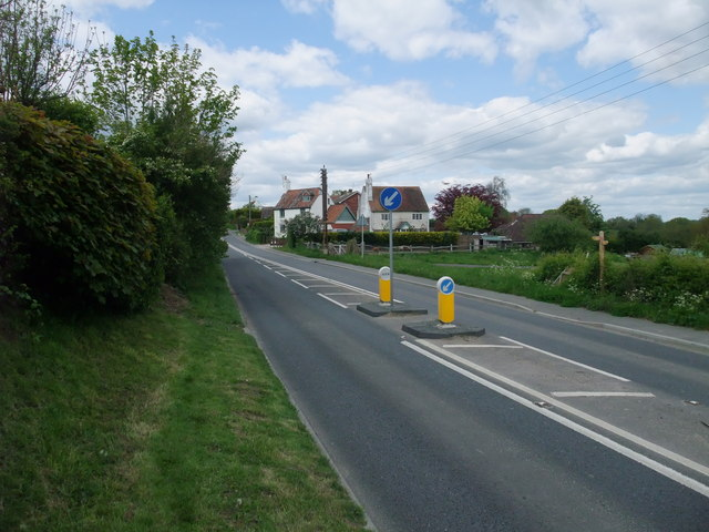 The 1066 Country Walk joining the A271 at Boreham Street
