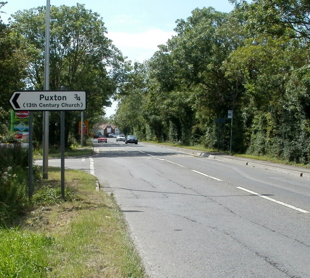 Hewish : left turn for Puxton