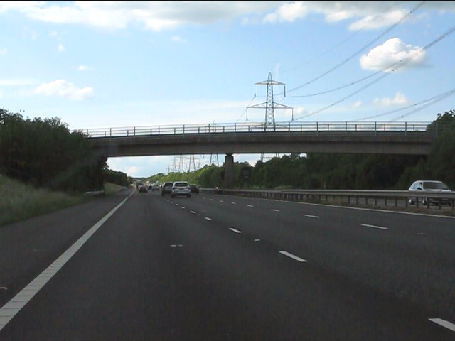 M40 motorway - Shabbington Wood bridge