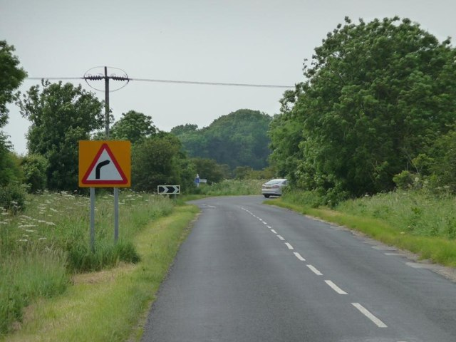 Warning of an almost 90 degree bend