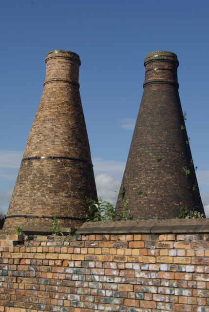 Kilns by the Caldon Canal