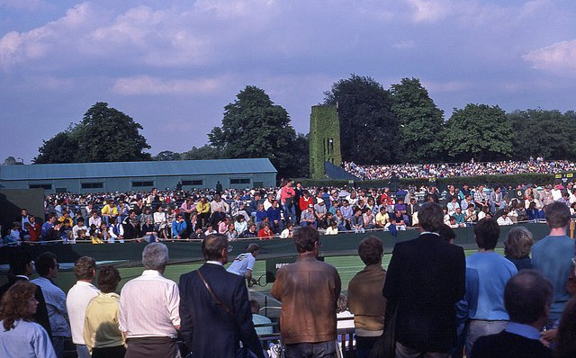 Wimbledon 1987 - Spectators watching play on Court 7