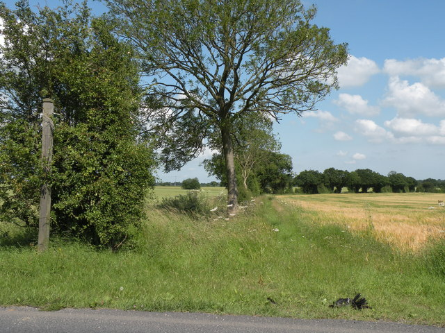 Public footpath to Little Waldingfield from the B1071