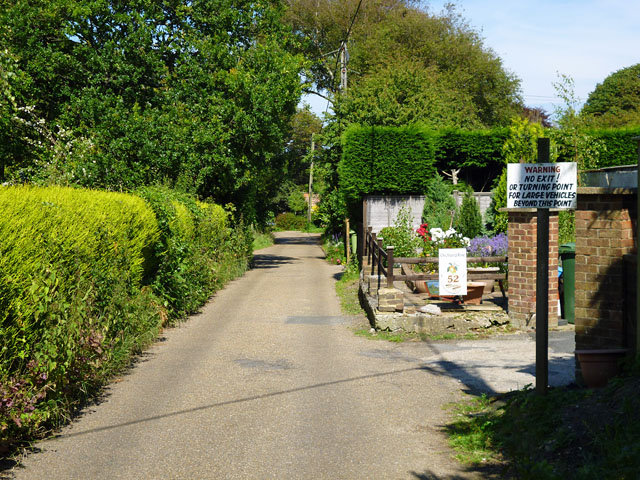 Lower Waites Lane, Fairlight Cove