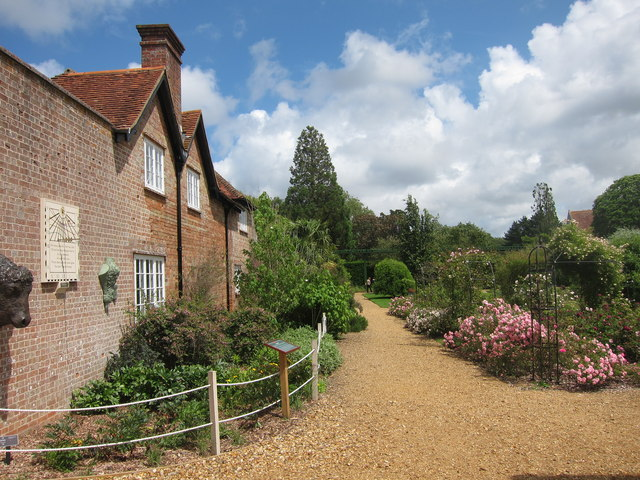 Palace Gardeners Cottage