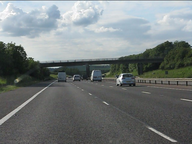 M40 motorway - minor road bridge near Northend
