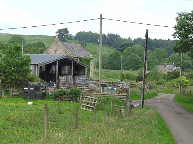 Barn and houses near Old Hall