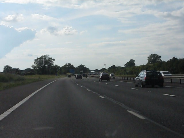 M40 motorway west of Wiggerland Wood Farm