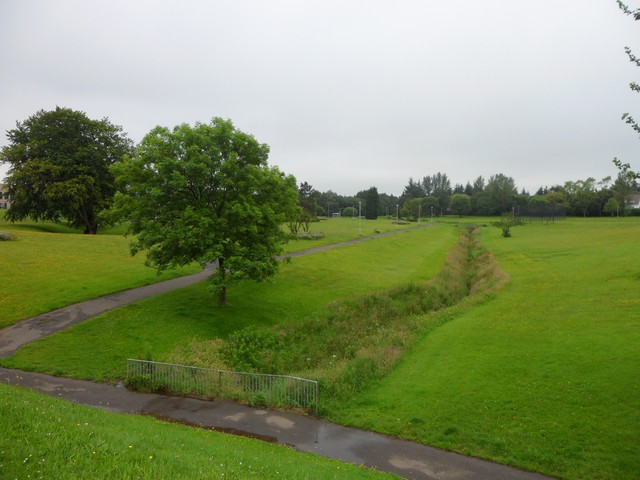 Stream and park in Westwoodhill, East Kilbride