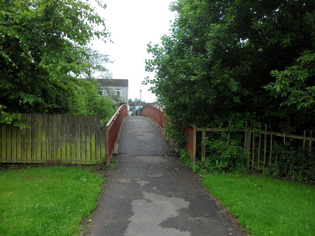Footbridge across Quarry Road