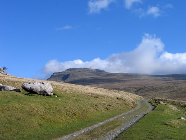 Hill road to Crina Bottom