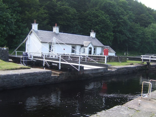 Crinan Canal - Lock No 11 and Dunardry Bridge
