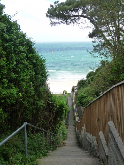 Branksome: footpath 66 to the beach