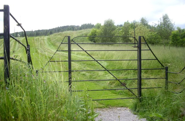 Gated access to Balmoral private golf course