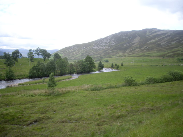 Downstream Water of Clunie, Auchallater