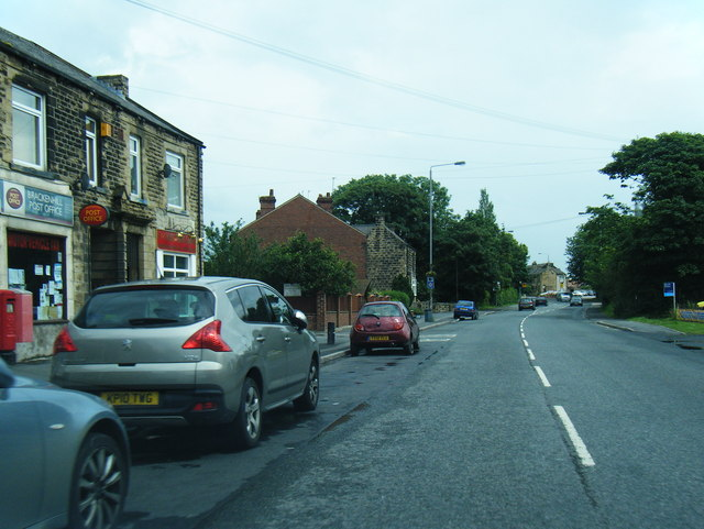 Wakefield Road and Brackenhill Post Office
