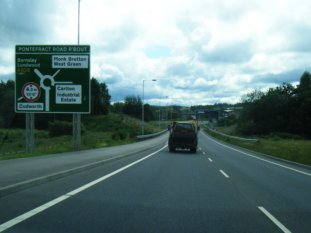 A628 approaching Pontefract Road roundabout