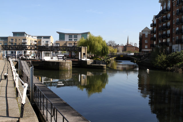 Brentford Gauging Locks and the River Brent