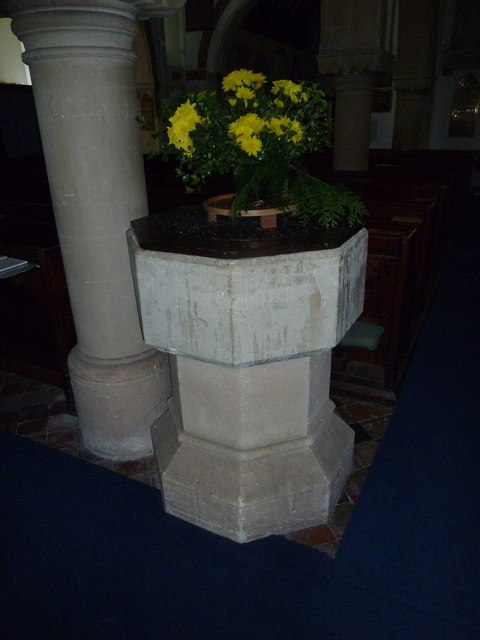 St Michael & All Angels, Weyhill: font