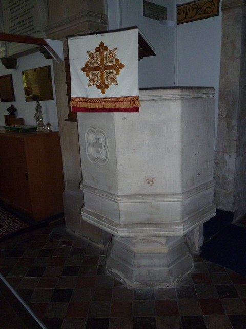 St Michael & All Angels, Weyhill: pulpit