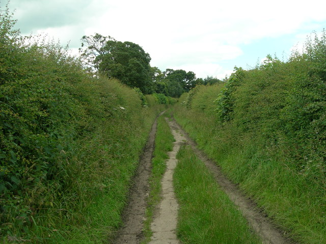 Track to Hall Road from the A34 footbridge