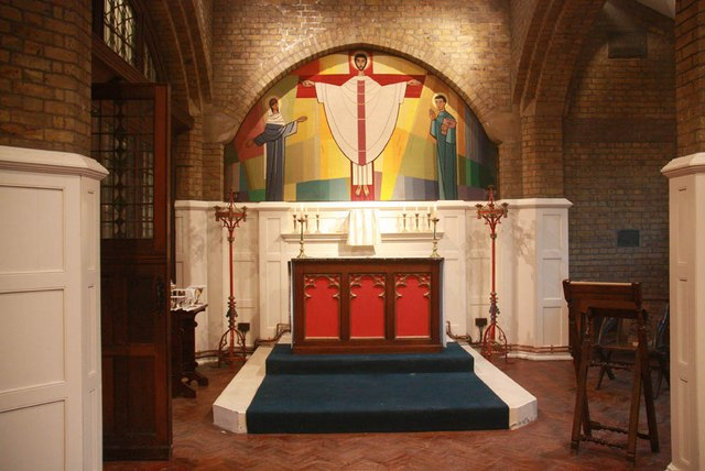 St John the Evangelist, Dysons Road - South chapel