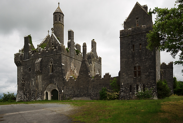 Dromore Castle 169 Mike Searle Cc By Sa 2 0 Geograph Ireland