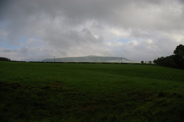 Upper Shatton, looking towards Win Hill