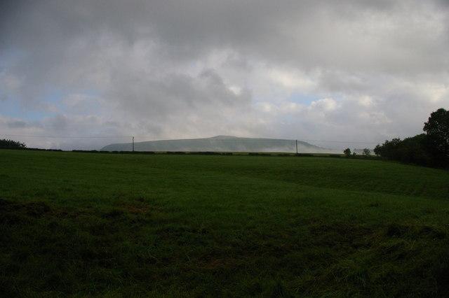 Upper Shatton, looking towards Win Hill