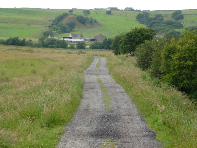 Farm track to Lower Cunliffe