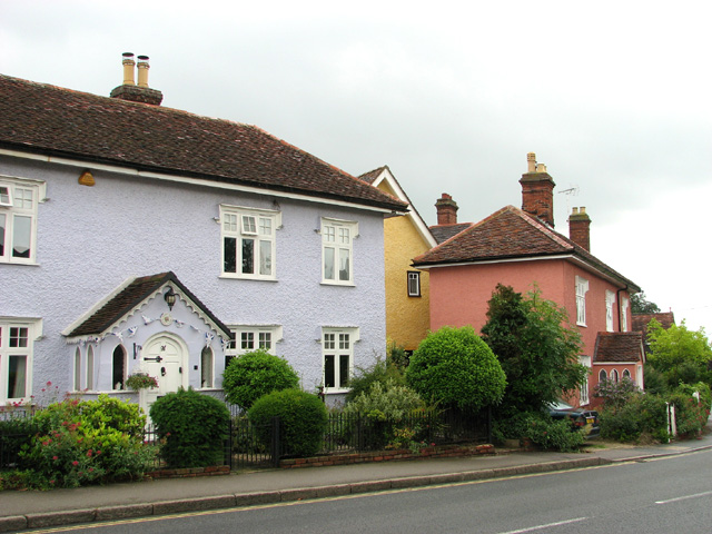 Cottages by St Andrew's church, Earls Colne