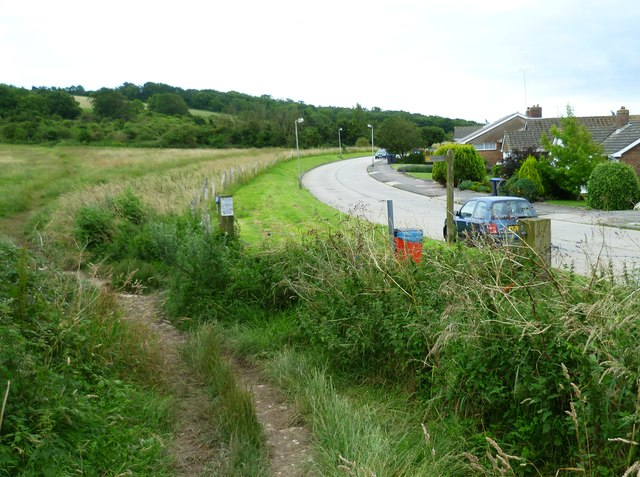 Footpath junction on Shepherds Mead