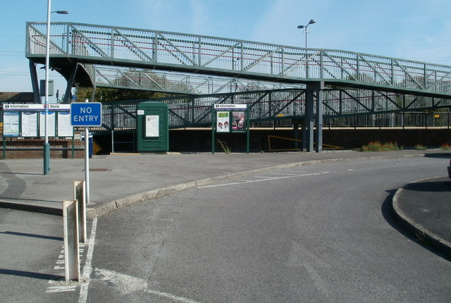 Zigzag ramp to the Worle railway station footbridge