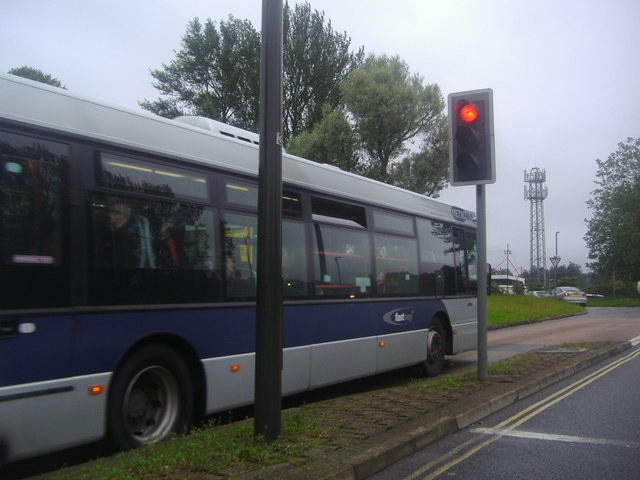 Bus in bus lane on Southgate Avenue