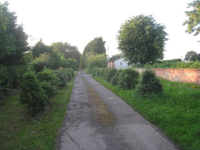 Manor House driveway, Rampton